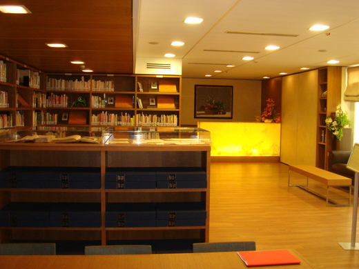 アカデミアバリッラの図書館_c0222316_16583111.jpg