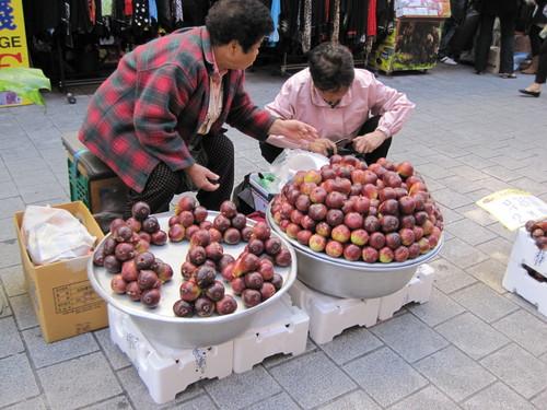 初めてのソウル ♪ ⑦ ホボントーストの朝食 南大門市場でお買い物!_f0236260_2282239.jpg