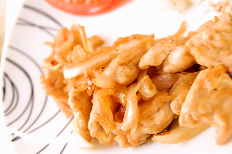 ご飯が進む☆鶏胸肉と玉ねぎの味噌しょうが焼き_d0104926_349218.jpg