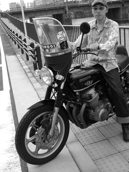 5COLORS 『 君はなんでそのバイクに乗ってるの?』 #27_f0203027_21594992.jpg