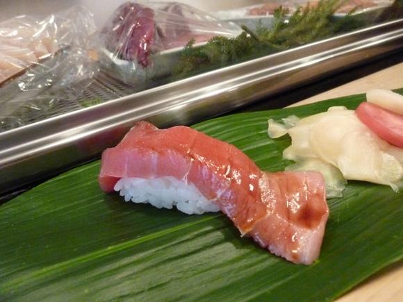 今回初めての寿司、至福!_c0180686_1626557.jpg