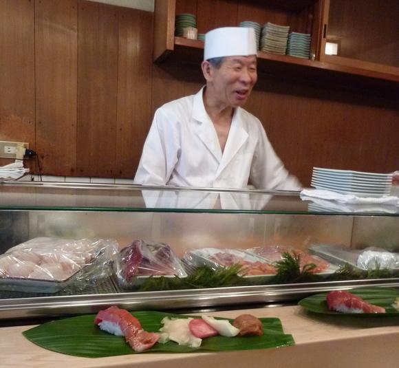 今回初めての寿司、至福!_c0180686_16295344.jpg