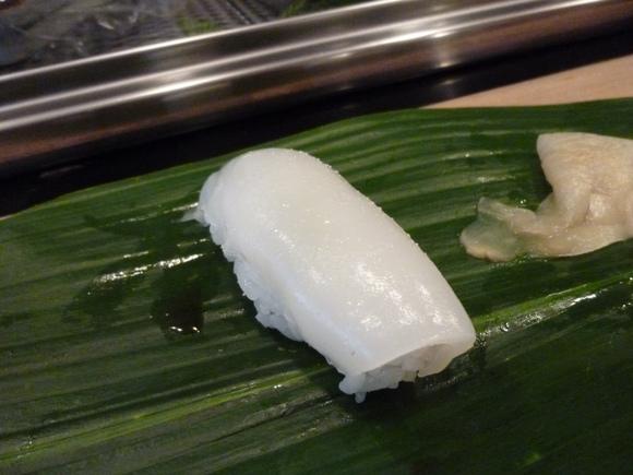 今回初めての寿司、至福!_c0180686_1685655.jpg