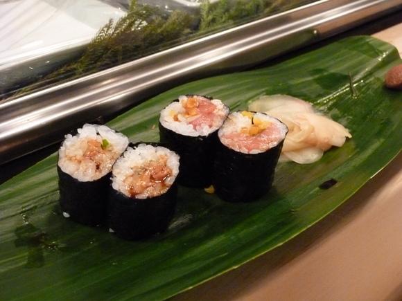 今回初めての寿司、至福!_c0180686_1692887.jpg