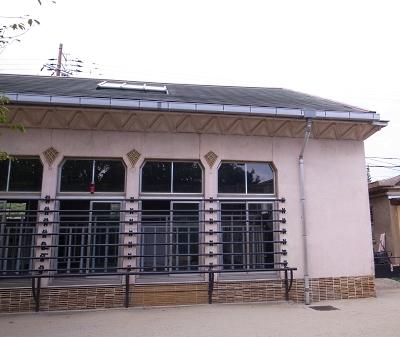 大正12年ゾウ舎のレリーフをあおいで~大人のための京都市動物園案内_c0069903_1105252.jpg