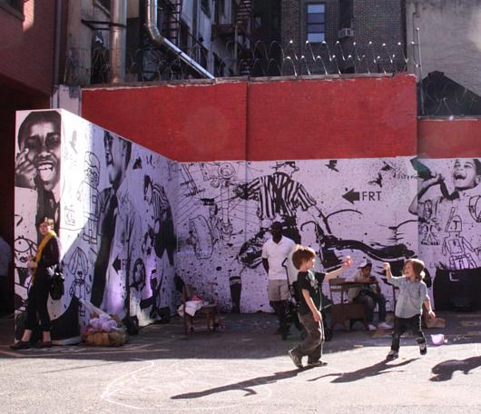 廃校になった小学校を使ったNYの大アート・イベント RE:FORM SCHOOL_b0007805_23465346.jpg