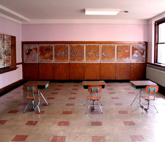 廃校になった小学校を使ったNYの大アート・イベント RE:FORM SCHOOL_b0007805_23492277.jpg
