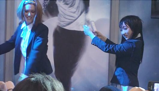 NYアニフェス&コミコン初参加の「けいおん!」、マイケルのBeat Itダンスを踊る_b0007805_14171797.jpg
