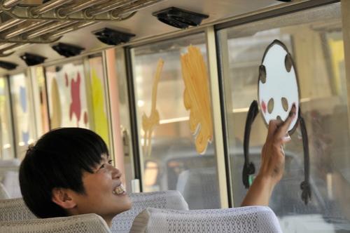 幼稚園バスに富士のアーティストさんがお絵描きしてくれました!最高!_b0188106_1947084.jpg