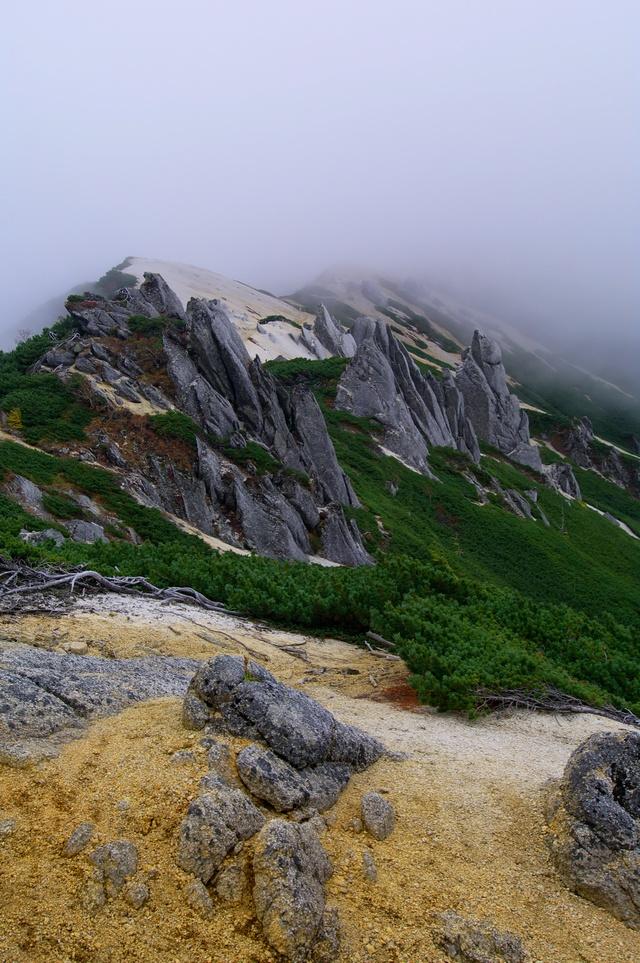 燕岳登山 その4 燕山荘から燕岳へ_a0060230_23395492.jpg