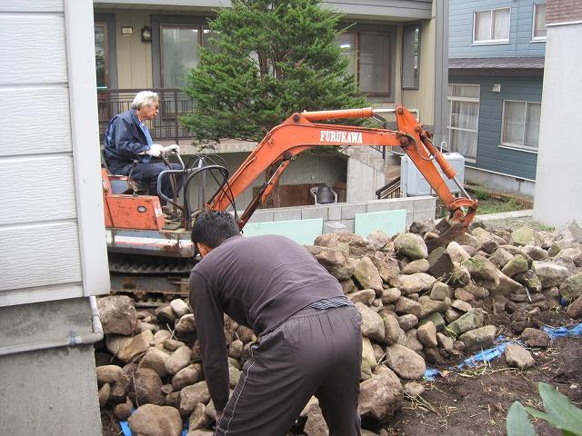 庭整備最終作業・・・_f0202703_19135593.jpg