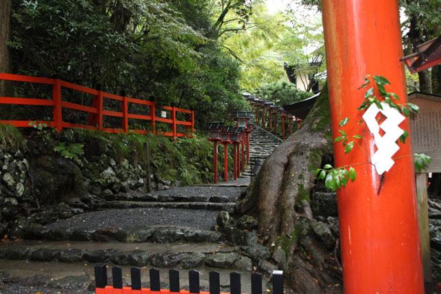 貴船神社の朝_e0048413_1955520.jpg