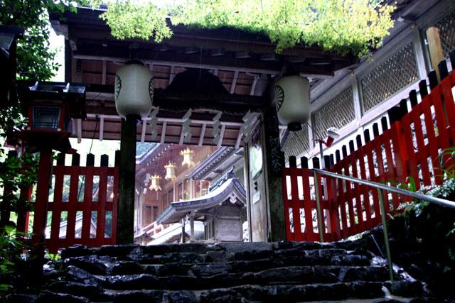 貴船神社の朝_e0048413_1972126.jpg