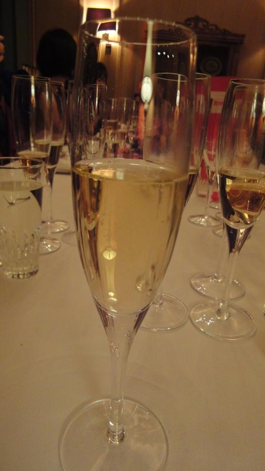 めくるめくシャンパーニュ晩餐会@ル・コントワール・ド・ブノワPart 1_f0215324_1243991.jpg