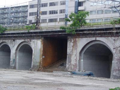 さよなら交通博物館(10) 万世橋駅等の遺構と再開発工事_f0030574_045435.jpg