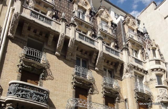 パリのアール・ヌーボー建築_a0092659_23545517.jpg