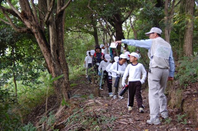 「西鳥取小学校1・2年生」遠足サポート_c0108460_20173768.jpg