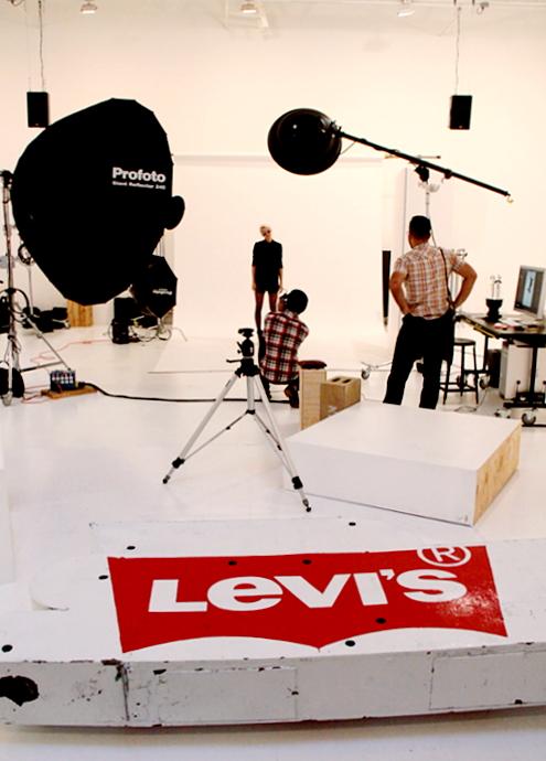 リーバイス(Levi's)がNYにオープンしたフォト・スタジオ内部の様子_b0007805_034595.jpg