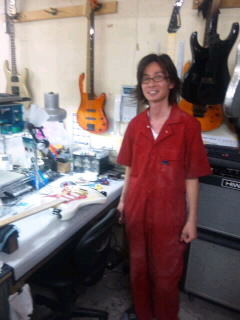 The skilled physician of the guitar Hospital_a0168628_19114298.jpg