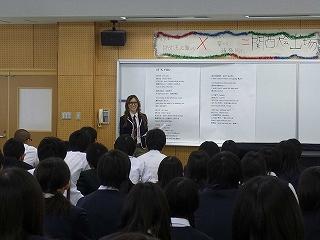 アメリカ在住の現役女子高生シンガーKylee(カイリー)が教育実習!?_e0025035_1056591.jpg