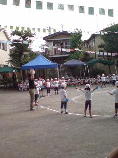 幼稚園の運動会_e0120811_23172097.jpg