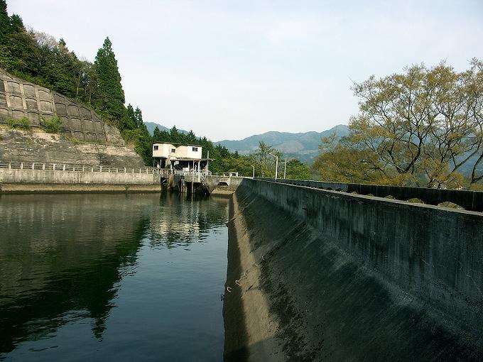 中国電力奥津発電所調整池/恩原ダム_f0116479_2272667.jpg
