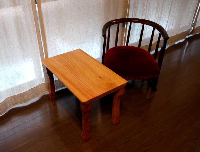 けやきのサイドテーブル_c0138410_995385.jpg