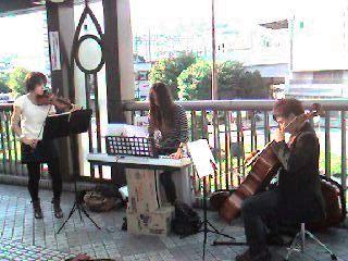 街角の音楽家たち_b0102572_1739190.jpg