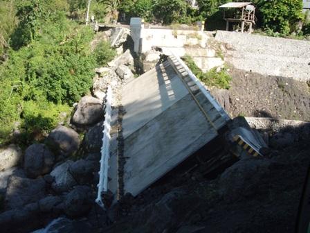 台風ペペンから1年。コロス集落でWE21ジャパンによる長期復興プロジェクト、キック・オフ_b0128901_1415551.jpg