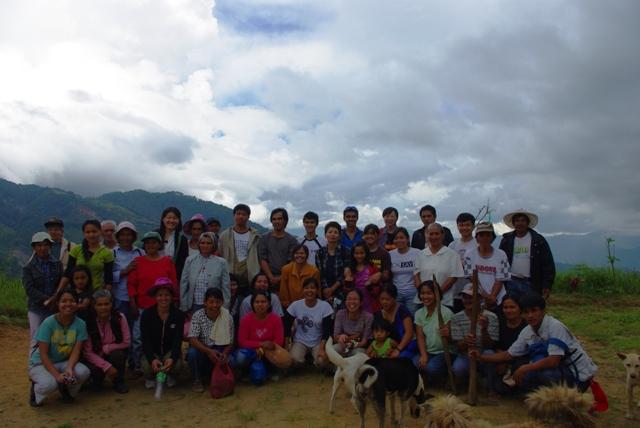 台風ペペンから1年。コロス集落でWE21ジャパンによる長期復興プロジェクト、キック・オフ_b0128901_1523889.jpg