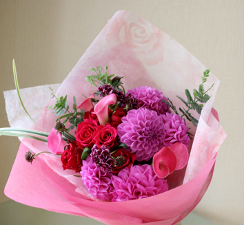 お誕生日にはお花を・・・_b0208604_15393858.jpg