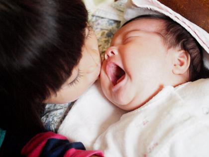 赤ちゃんと小さなお姉ちゃん_e0172847_194247100.jpg