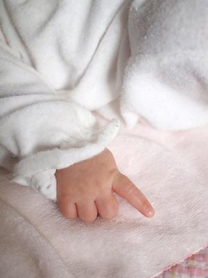 赤ちゃんと小さなお姉ちゃん_e0172847_19432532.jpg