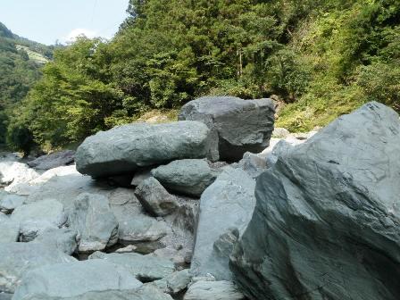 鳴滝(徳島)、王子ケ岳(岡山)ボルダリング_d0007657_1643157.jpg