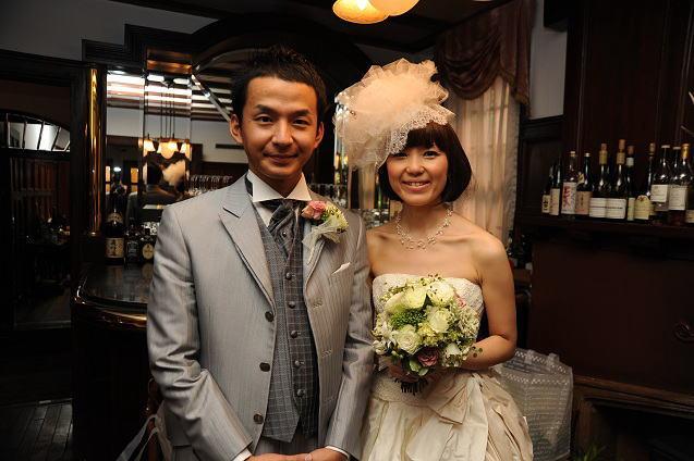 シェ松尾松涛レストラン様の装花 秋の白のバラ _a0042928_22412976.jpg