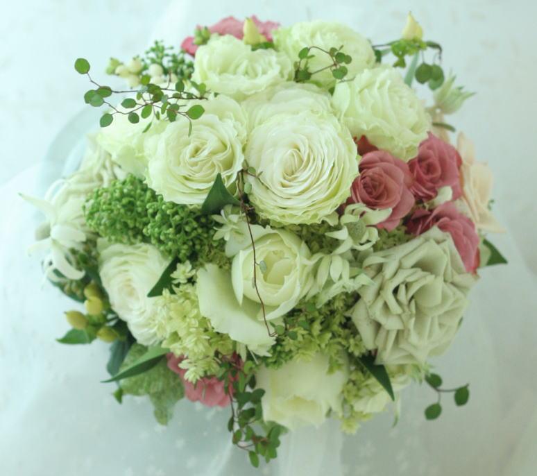 シェ松尾松涛レストラン様の装花 秋の白のバラ _a0042928_22491095.jpg