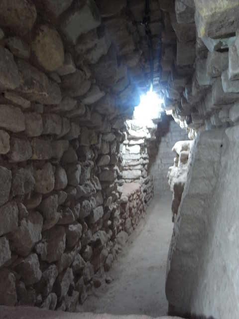 コパン遺跡 (5) 東広場と「ロサリラ・トンネル」_c0011649_136178.jpg