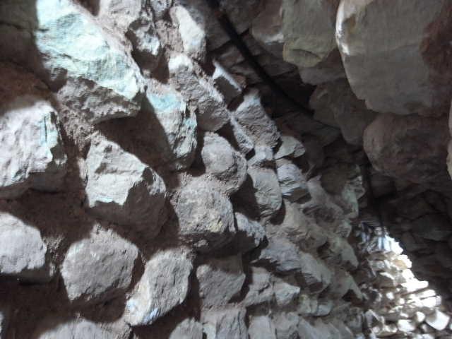 コパン遺跡 (5) 東広場と「ロサリラ・トンネル」_c0011649_1383785.jpg