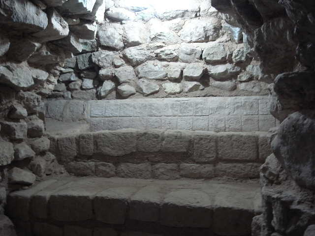 コパン遺跡 (5) 東広場と「ロサリラ・トンネル」_c0011649_224032.jpg