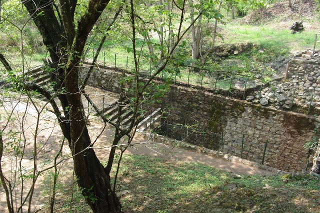 コパン遺跡 (6) 東広場から神聖文字の階段へ_c0011649_9384268.jpg