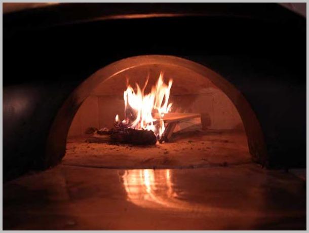 ピザ窯販売 ナポリのピザ窯 マリオ・アクント設置工事 ナポリ娘は大阪中津へ嫁ぐ_a0150573_17562630.jpg