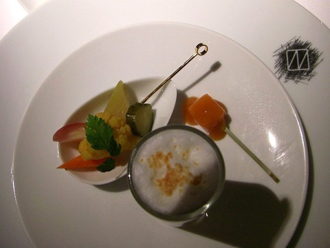西麻布 「レストラン ナルカミ」 でランチ_a0039199_2156572.jpg