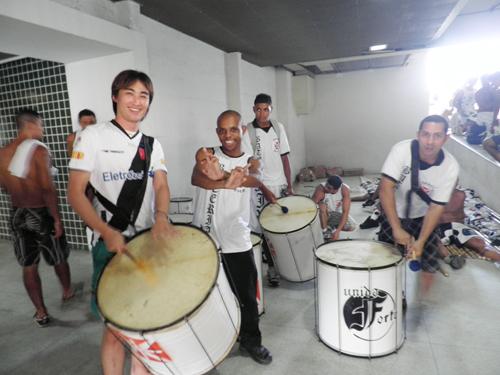 DECO(元Portugal代表/Brasil出身/現Fluminense)がCarlos Alberto(VASCO/元BRASIL代表)とTijucaで。_b0032617_14441448.jpg