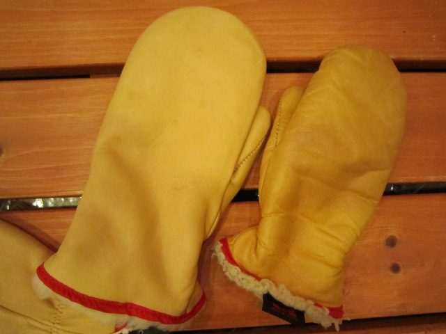 LEATHER MITTEN GLOVE with BOA_f0191324_158644.jpg