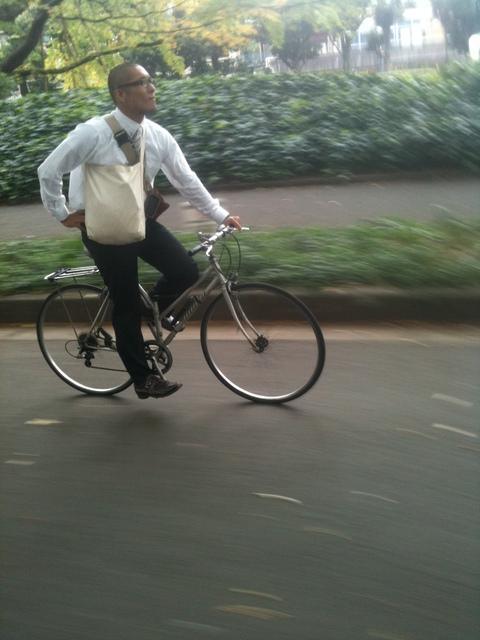 現場が近けりゃ自転車です_a0148909_1431066.jpg