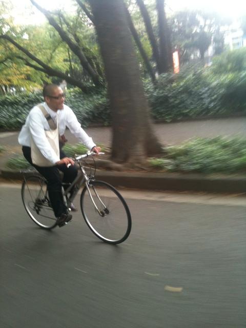 現場が近けりゃ自転車です_a0148909_1432267.jpg