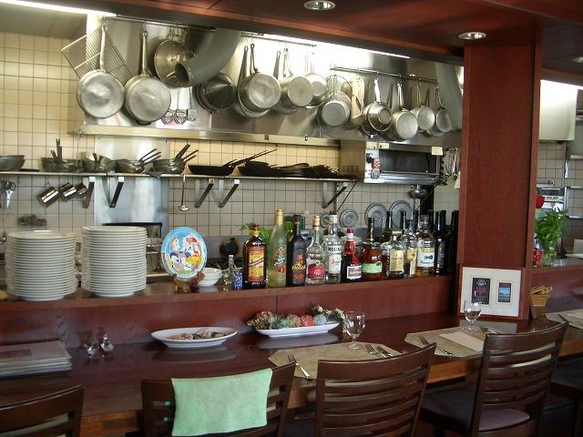 おいしいのはもちろん、庭も楽しめるイタリアンレストラン「マーノ・エ・マーノ」_f0141310_23345644.jpg