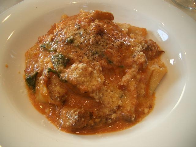 おいしいのはもちろん、庭も楽しめるイタリアンレストラン「マーノ・エ・マーノ」_f0141310_2336106.jpg