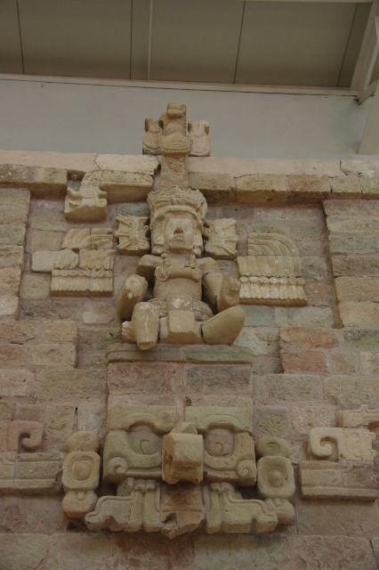 コパン彫刻博物館_c0011649_7232532.jpg