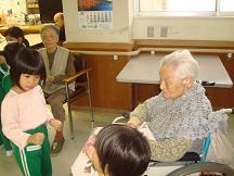 老人ホーム訪問へ_c0212598_11493817.jpg